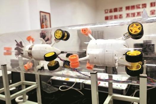 """武汉一大学生发明""""管道清洗机器人"""" 获国家专利"""